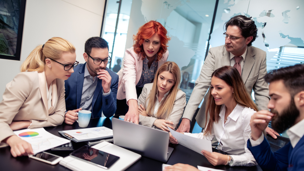 Entusiastiske arbeidskolleger engasjerer seg i Norians nye blogg om outsourcing av økonomi og regnskap.